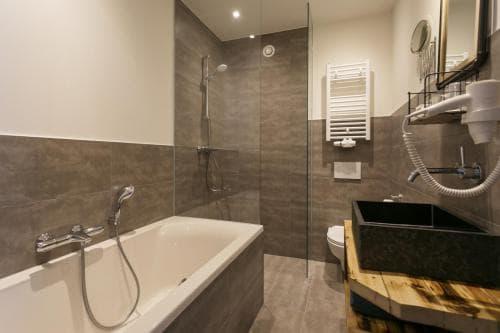 Hotel Heere Raamsdonksveer Geertruidenberg Brabant kamer 809 2 persoonskamer Efteling Biesbosch