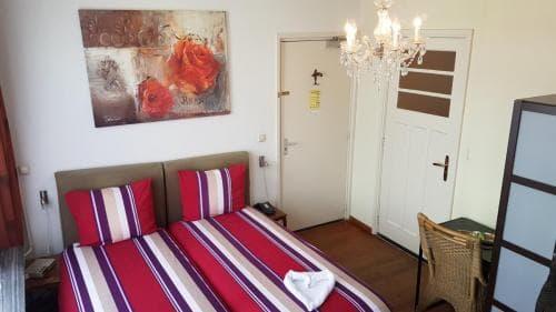 Hotel Heere Raamsdonksveer kamer 3 (2)