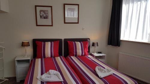 Hotel Heere Raamsdonksveer kamer 9
